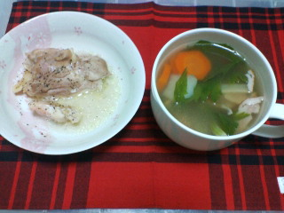 野菜スープと鶏の酒蒸し